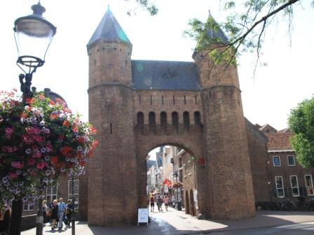 Kamperbinnenpoort city gate