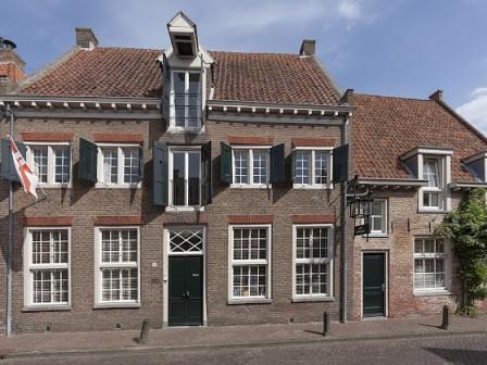 Tobacco house